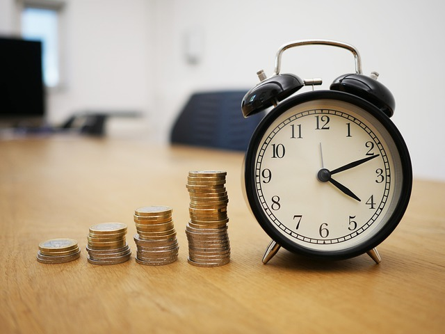 Pieniądze i budzik