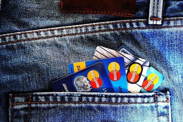 Karty kredytowe, pożyczka